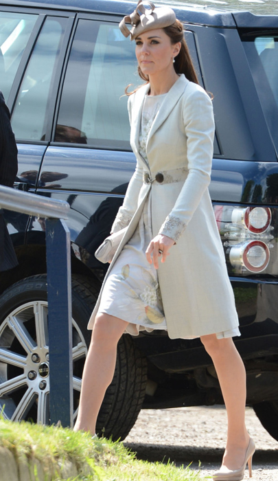 Check out what Kate Middleton wore to the McCorquodale wedding at the weekend!