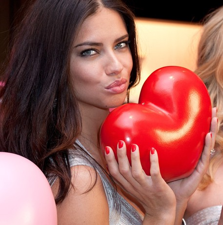 Victoria's Secret London store isn't opening this month after all!