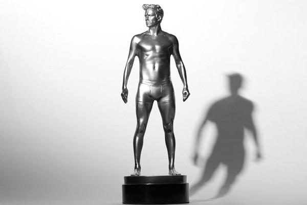 H&M unveils nine David Beckham statues!