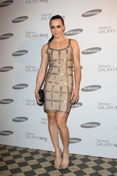Victoria Pendleton glams up in a very apt, golden bandage dress