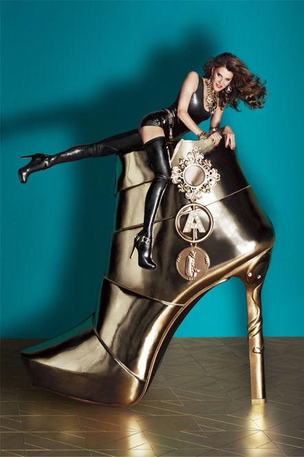 Peek some Anna Dello Russo for H&M pieces here!