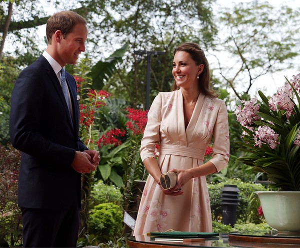 Kate Middleton back in Jenny Packham at Botanical Gardens in Singapore