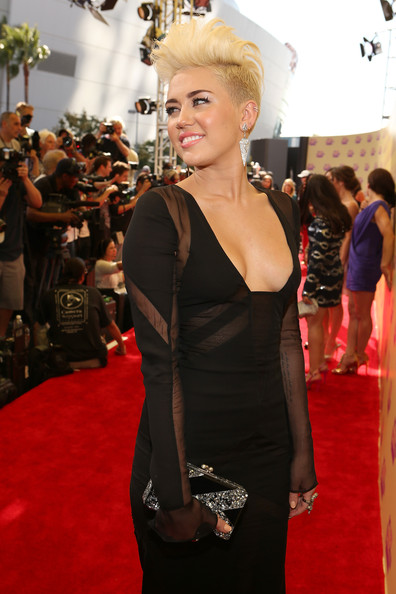 A round up of the best dressed celebs at the MTV Video Music Awards 2012