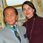 Valentino honoured with Commandeur de l'ordre des Arts et des Lettres
