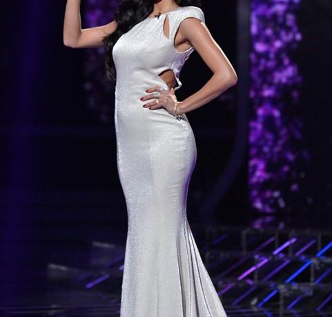 Nicole Scherzinger's timelessly elegant in Topshop
