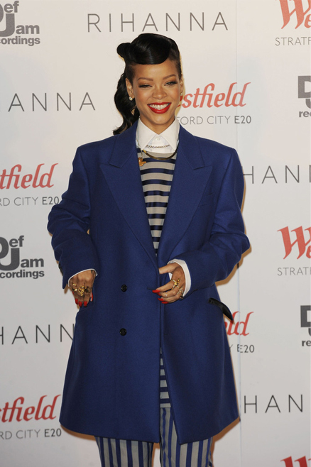 Rihanna earned a cool £5 million for switching on Westfield Stratford Christmas lights…