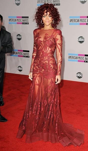 Rihanna AMA 2010