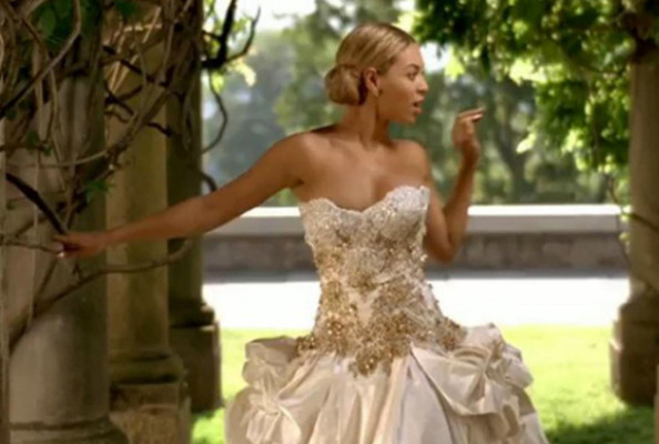 beyonce baracci wedding dress