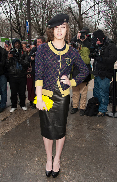 Did Hailee Steinfeld get it right or wrong on the Chanel FROW?