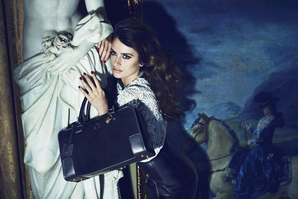 Penelope Cruz smoulders for Loewe