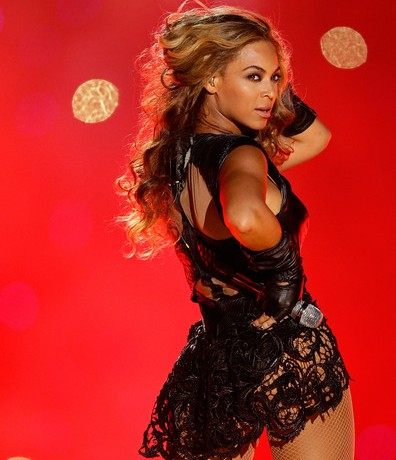 Beyonce steals the Halftime Show at the Superbowl 2013