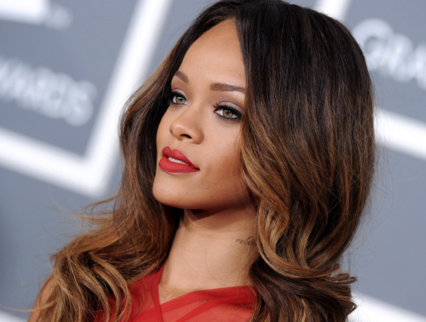 Rihanna launches make-up range with MAC