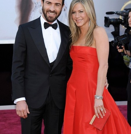 Jennifer Aniston to wed in Valentino?