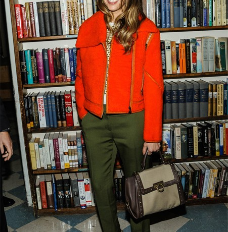 Jessica Alba rocks bright Fendi at The Honest Life book signing