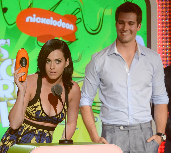 katy-perry-nickelodeon-kids-choice-awards-2013