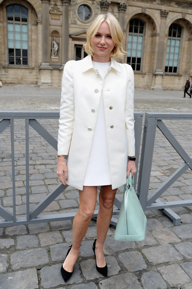 Naomi Watts flashes her perfect pins in Paris