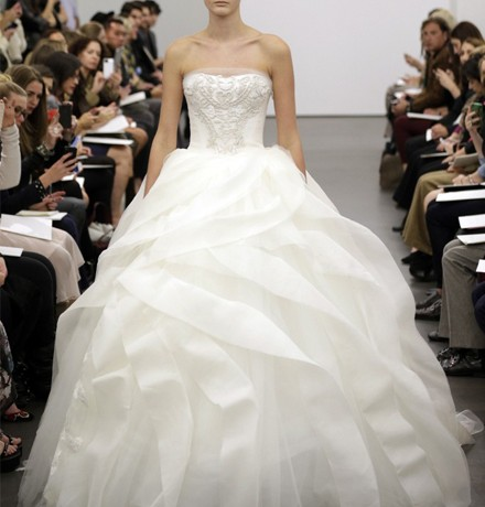 Vera Wang isn't charging Chinese brides to try on her wedding dresses anymore
