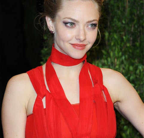 Amanda Seyfried replaces Liv Tyler for Givenchy Very Irresistible