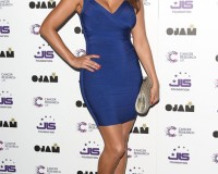 Kelly Brook makes bandage dresses sexy again!