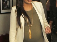kim-kardashian-gives-birth-