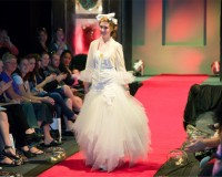 New Zealand designer Annah Stretton is looking for a female couple to marry on the catwalk