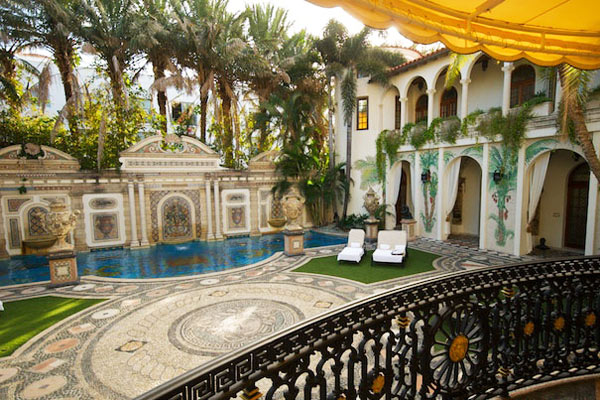 Gianni Versace's mansion goes under the hammer