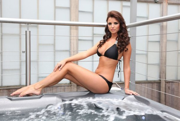 "UK's Lucy Mecklenburgh beats Rihanna to ""best bikini body"" title"