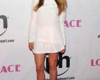Amanda Seyfried keeps it simple for Lovelace Las Vegas premiere