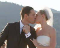 Kate Bosworth gets married in Oscar de la Renta