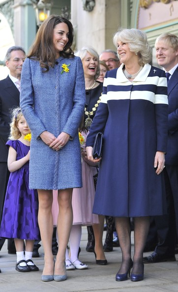 Kate+Middleton+Queen+Elizabeth+II+Duchess+F-vpFYXKQF0l (1)