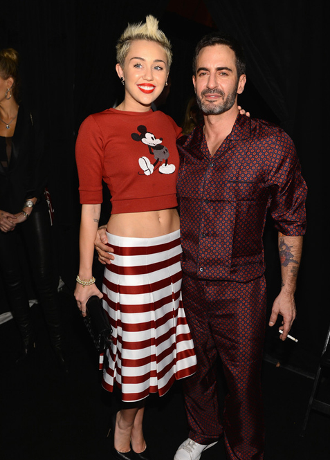 Miley Cyrus to present Marc Jacobs with fashion award