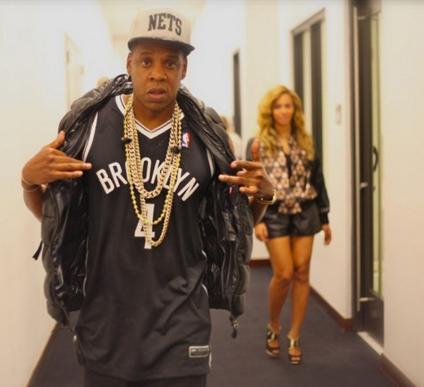 Jay Z WILL continue working with Barneys, explains why