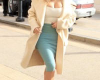 Kim Kardashian shows off her curves in Beverley Hills