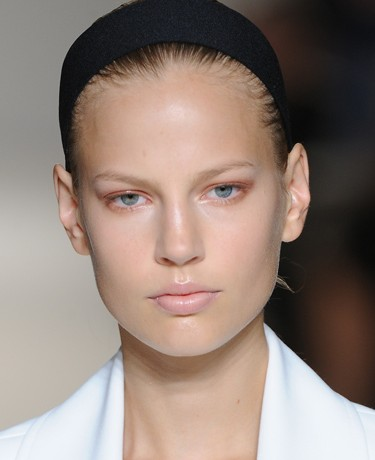 From London to Paris and Beyond: A Fashion Week Beauty Trend Report