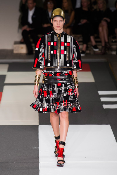 Alexander McQueen vows to pay all its interns from now on!