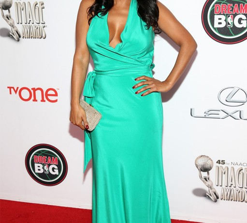 Nia Long makes us green with envy on the NAACP Awards red carpet