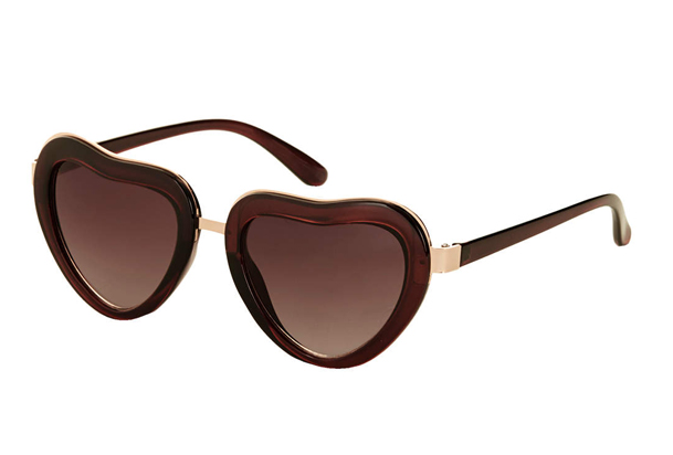 Lunchtime Buy: Topshop heart sunglasses