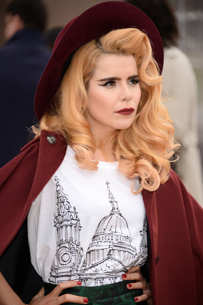 Paloma Faith signs to Next Model Management!