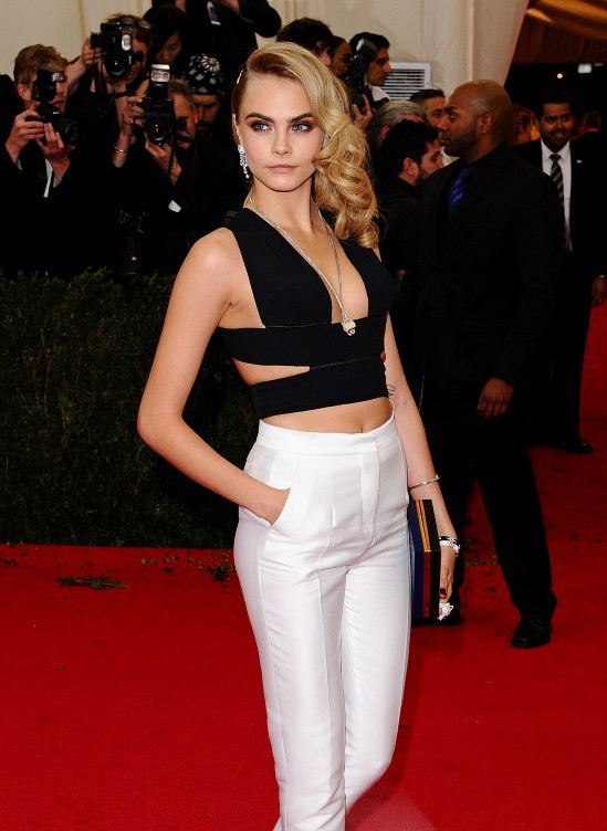 cara-delevingne-met-gala-eyebrows