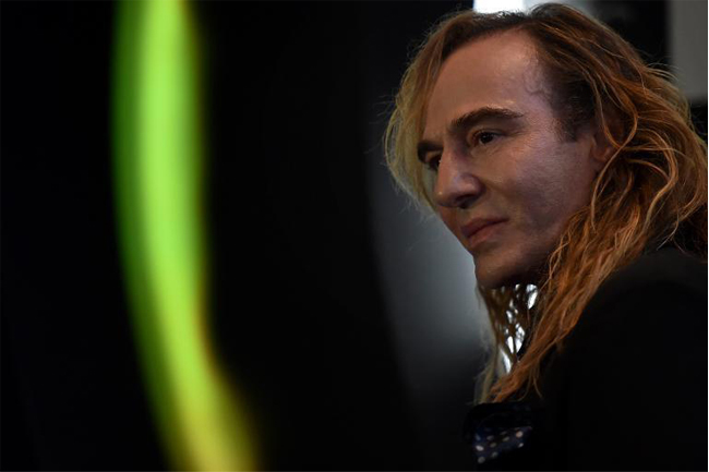 john-galliano-l'etoile-moscow-press-conference