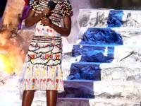 lupita nyongo cfda awards presenter