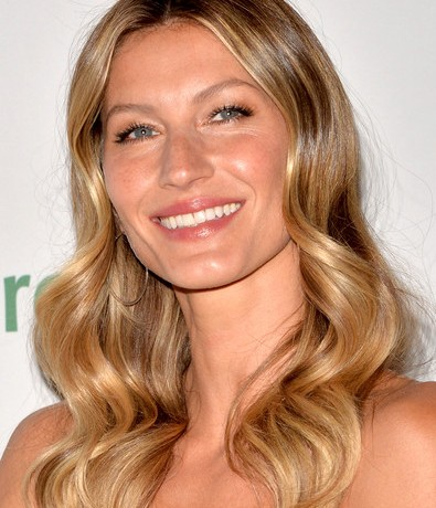 Gisele will present World Cup trophy to the winners!