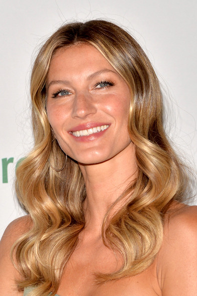 gisele world cup presenting