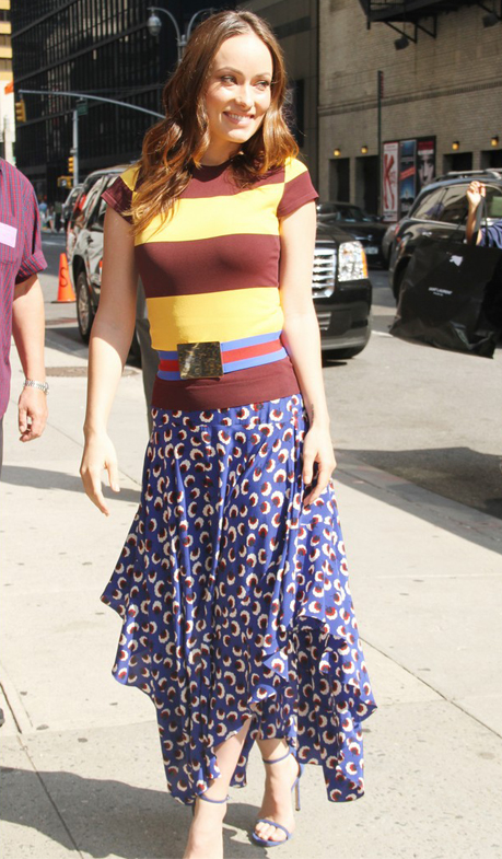 Olivia Wilde is walking proof that the contrasting prints and colours thing works!