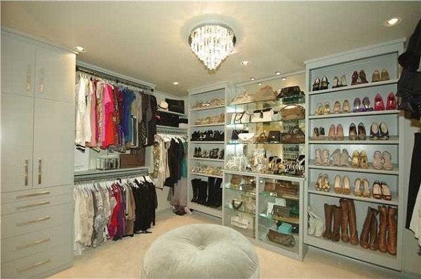 Dressing up Like the Stars: A Walk-in Wardrobe for Every Home