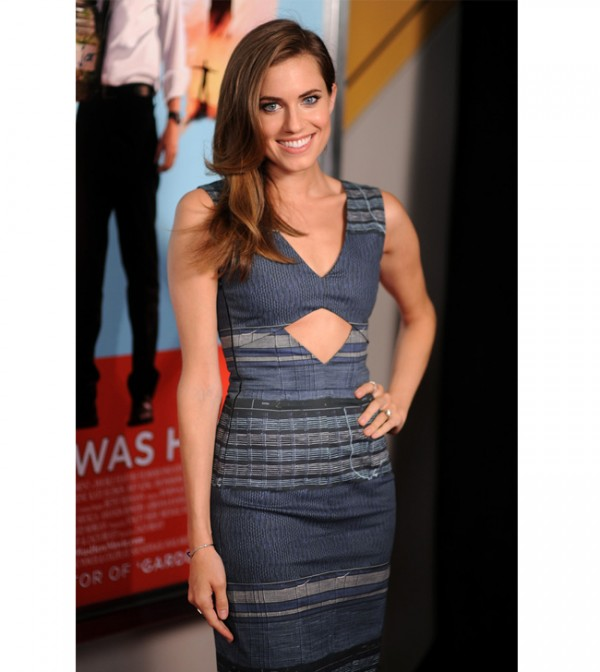 Girls star Allison Williams to play Peter Pan
