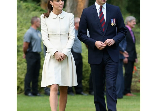 Kate Middleton wears Alexander McQueen for WW1 100 Years commemoration