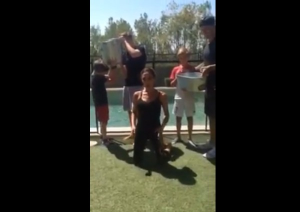 Celebs do the Ice Bucket Challenge, Vogue by numbers, and the end of skinny jeans?
