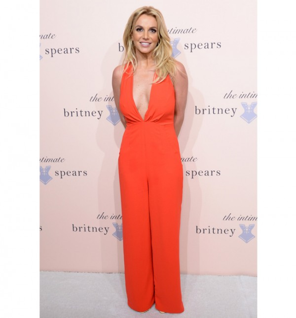 Britney Spears extends her Las Vegas residency!