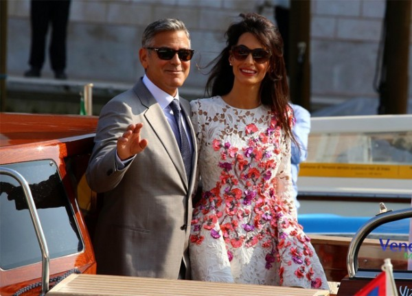 Amal Alamuddin marries in Oscar de la Renta!